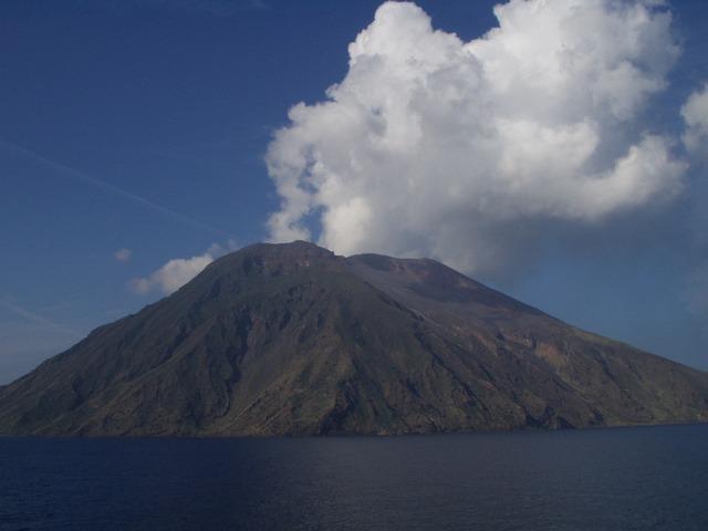Vulcani italiani: quali sono, altezza e quando sono in attività