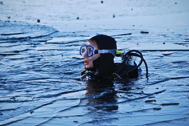Maschere per respirare sott'acqua: ecco le migliori in assoluto e quanto costano