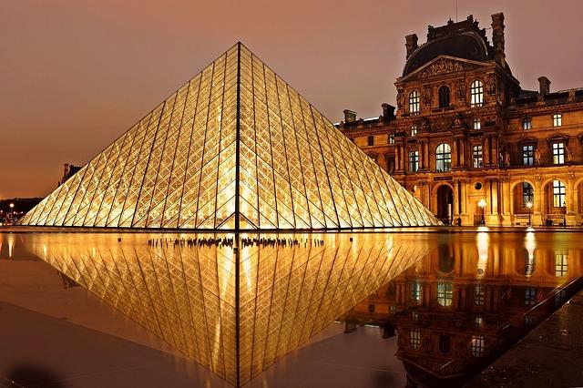 Louvre: come raggiungere il museo, cosa vedere, orari e tariffe