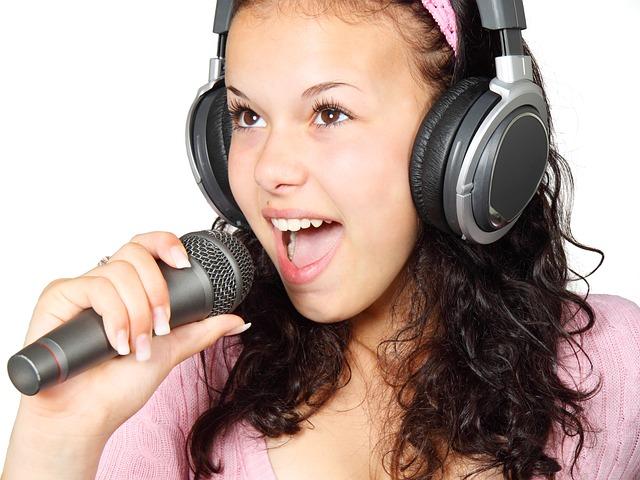 Miditeca: cos'è e quali sono le alternative legali per scaricare basi per karaoke