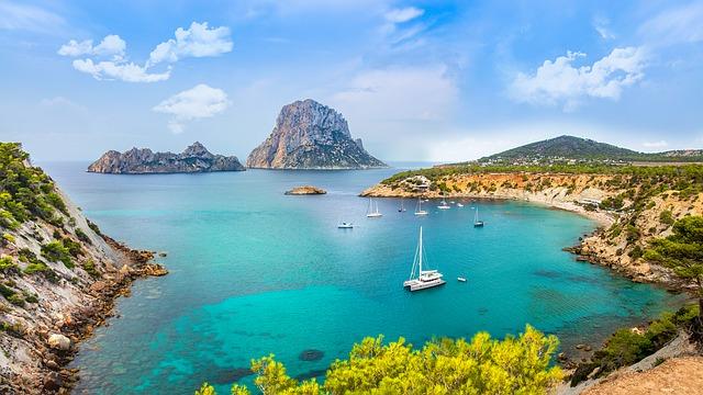 Vacanze Ibiza: mete, offerte promozionali e last minute