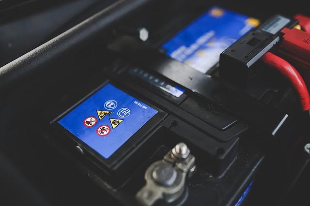 Come scegliere le batterie giuste per i carrelli elevatori